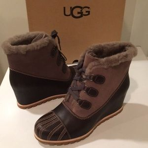 New Ugg Alasdair Slate leather & suede wedge 12 💕